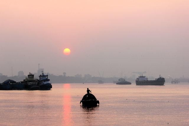 princip ghat_hooghly river traffic