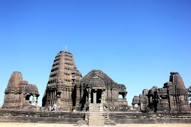 sinnar_gondeshwar temple