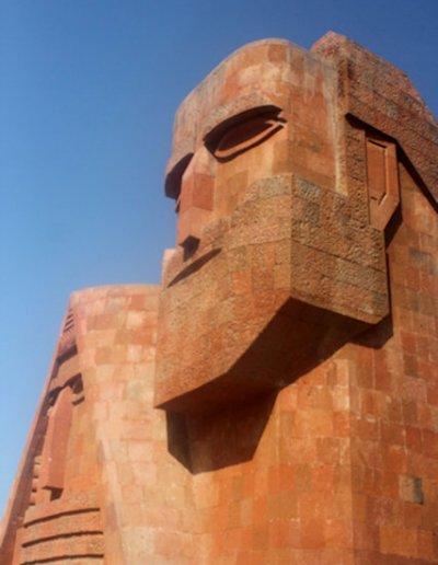 stepanakert_papik tatik statue_2