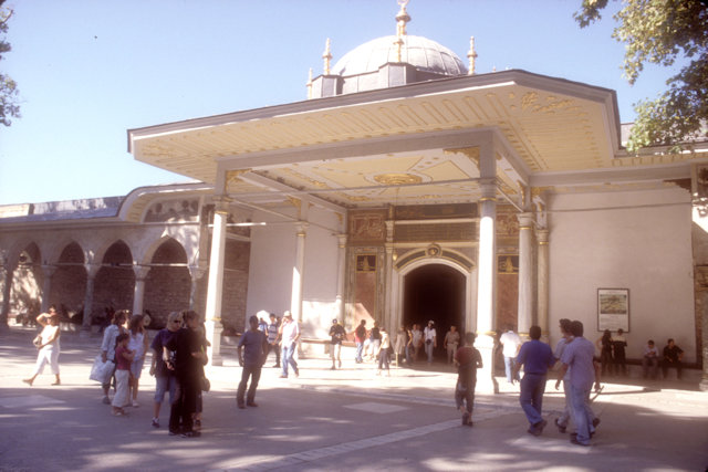 topkapi palace_gate of felicity
