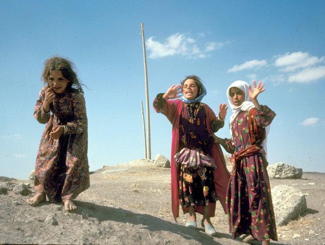 van_kurdish girls