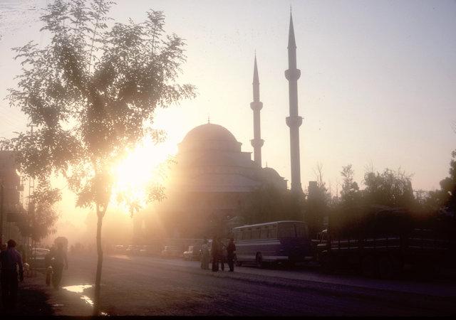 van_mosque at twilight