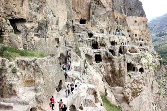 vardzia_cave city_2