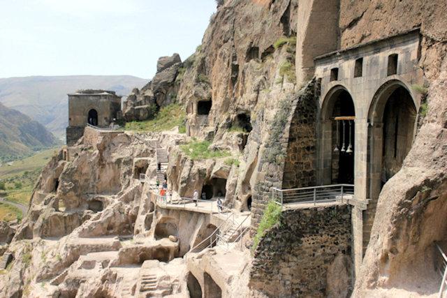 vardzia_cave city_3