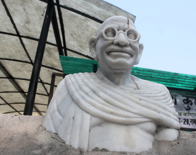 alwar_bust of gandhi