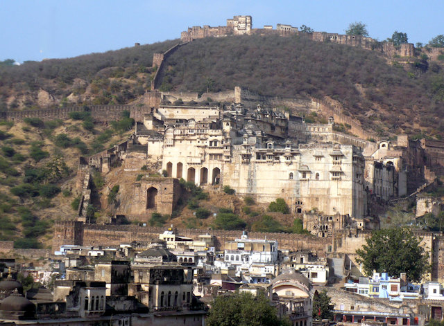 bundi_overview with garh palace and taragarh fort