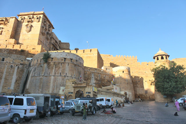 jaisalmer_city wall and palace complex