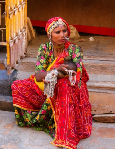 jaisalmer_rajput woman with infant