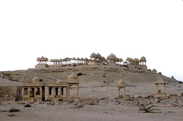 jaisalmer_vyas chhatri cenotaphs