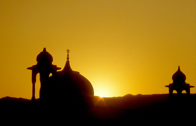 pushkar_temple domes at sunset