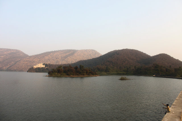 siliserh_lake and water palace_2