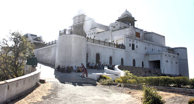 udaipur_monsoon palace
