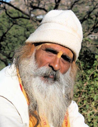 mount abu_hindu pilgrim