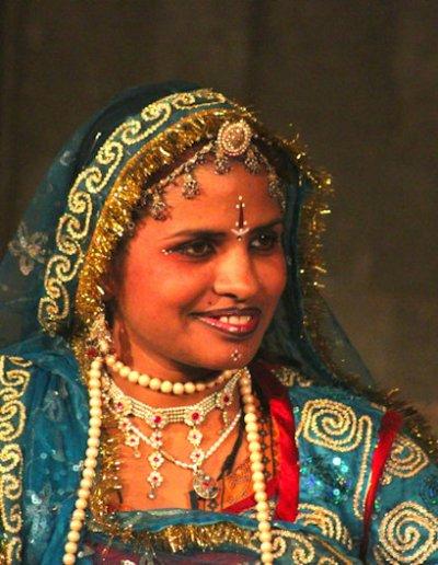 udaipur_rajasthani performer_2