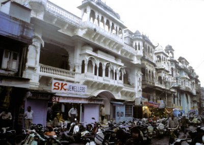 indore_row of havelis
