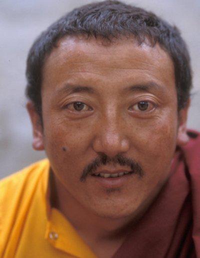 lhasa_buddhist monk