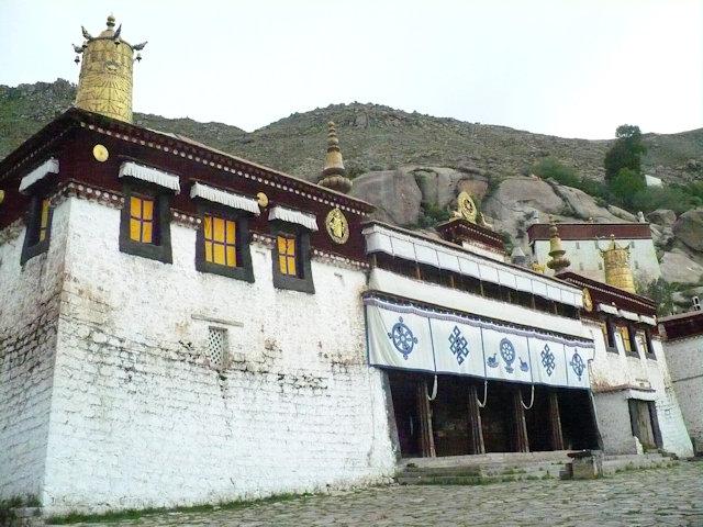 lhasa_sera monastery