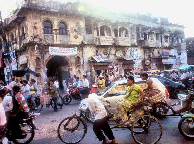 lucknow_street traffic
