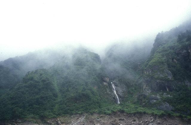 nyalam_waterfall