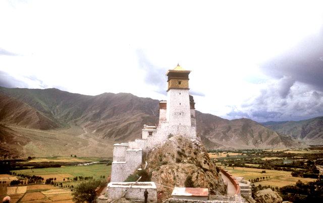 tsedang_yumbulakhang castle