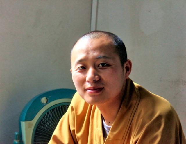 zhenjiang_buddhist monk