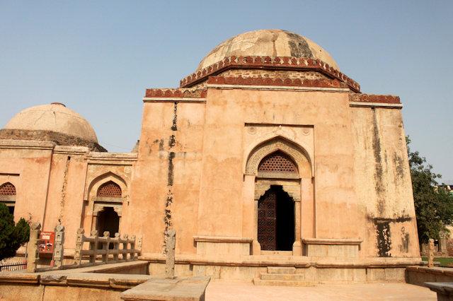 hauz khas complex_firoz shah's tomb