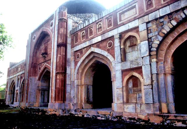 jamali kamali mosque