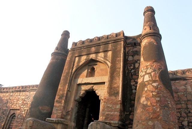 khirki mosque