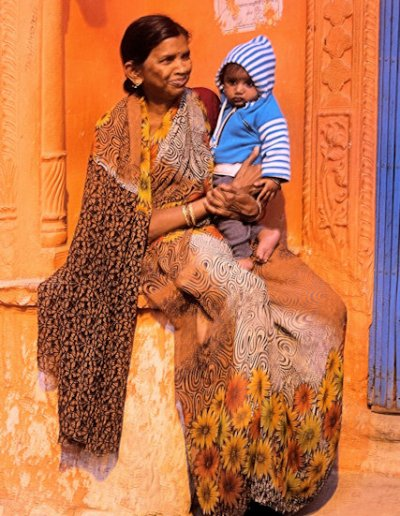 mathura_woman and child