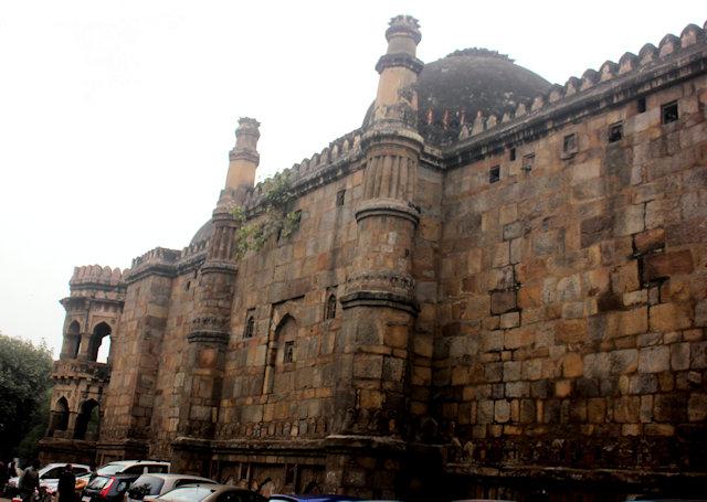 moth-ki-masjid_2