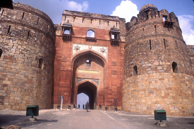 purana qila_west gate