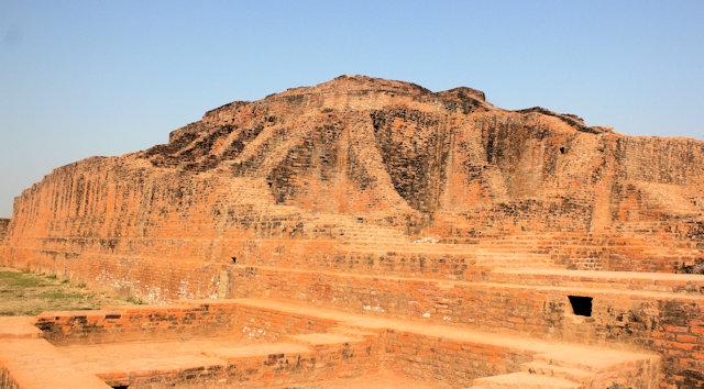 sravasti_kacchikuti stupa at maheth