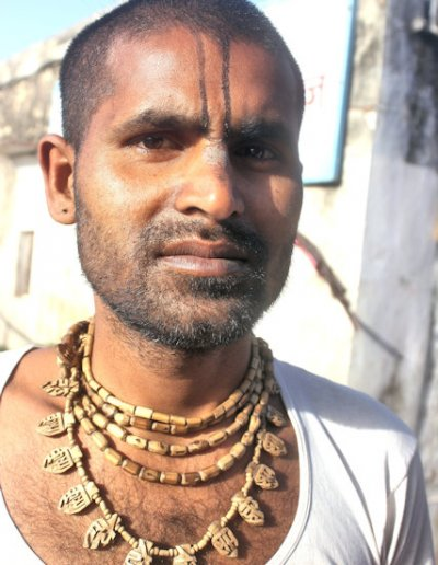 vrindavan_hindu priest