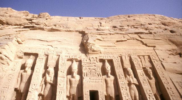 abu simbel_temple of hathor
