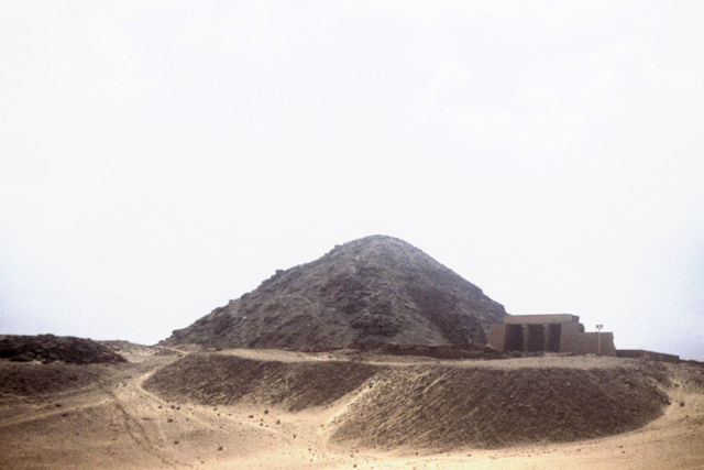 abusir_pyramid of nyuserre and temple