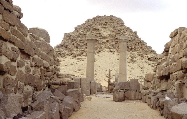 abusir_pyramid of sahure and mortuary temple