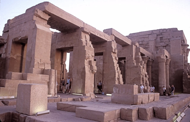 kom ombo_temple_5
