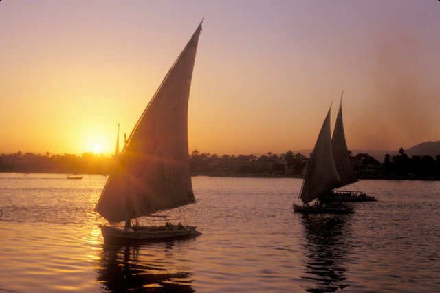 luxor_nile at sunset