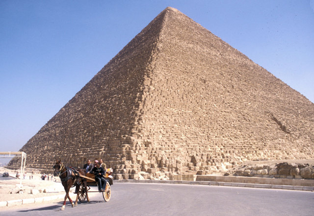 pyramid of cheops and calash