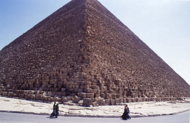 pyramid of cheops_2