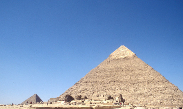 pyramid of chephren and mortuary temple