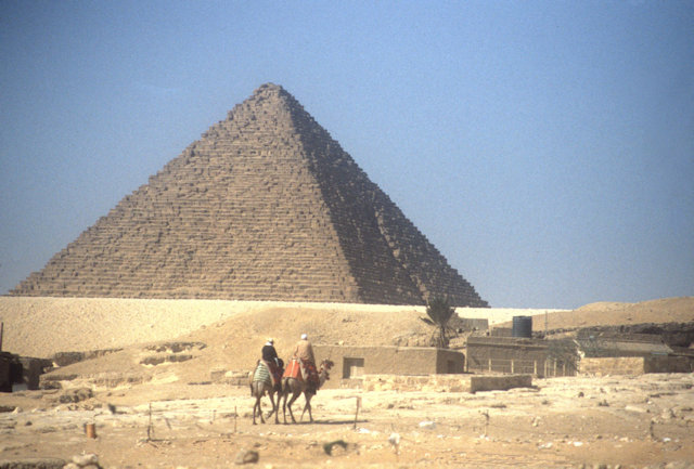 pyramid of mycerinus_3