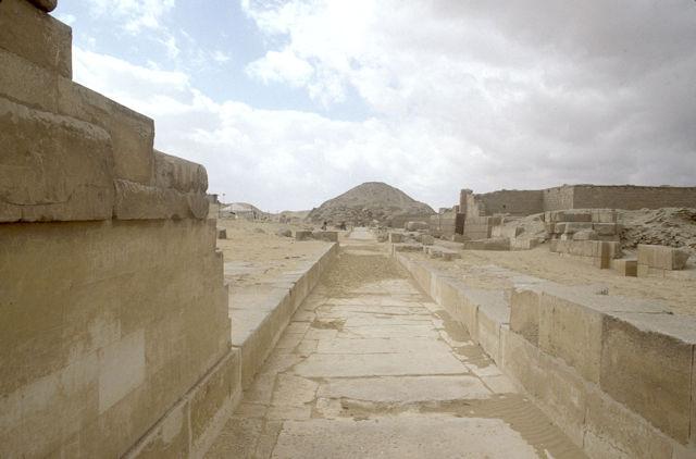 saqqara_causeway to pyramid of unas