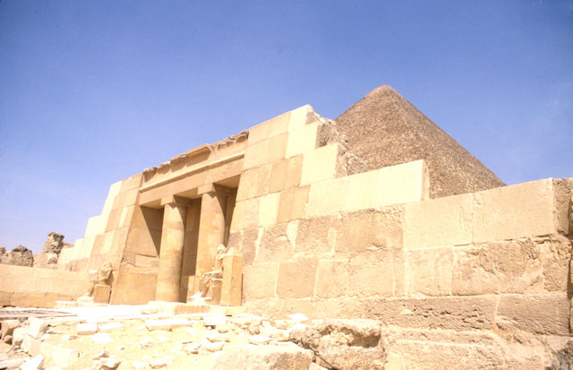 seshemnuper IV's tomb and pyramid of cheops