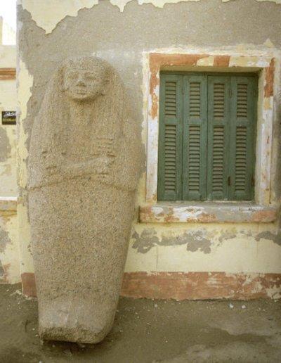 tanis_sarcophagus