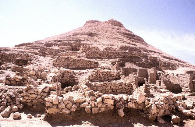 thebes_deir al-medina