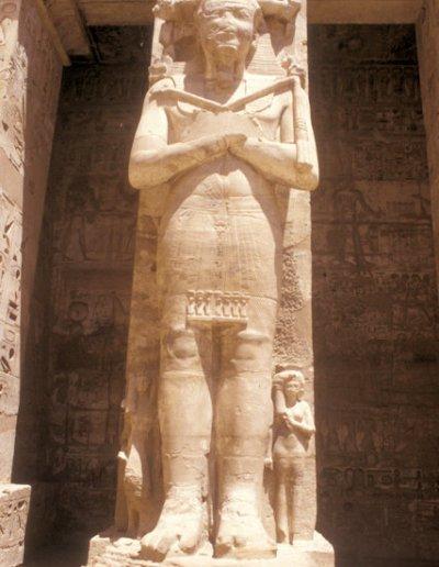 thebes_medinat habu temple_2