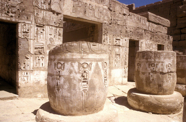 thebes_medinat habu temple_5