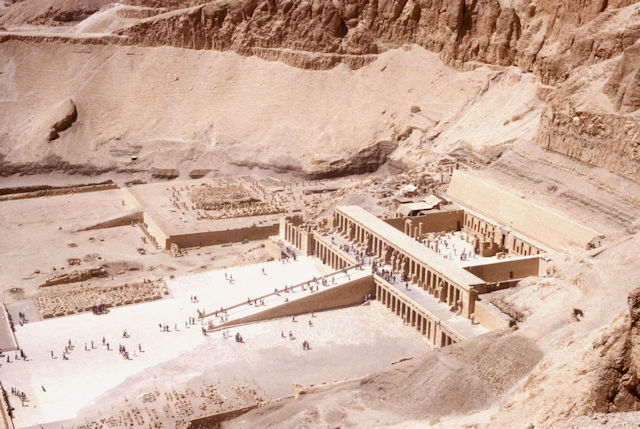 thebes_temple of hatshepsut