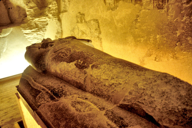 thebes_valley of kings_tomb_2